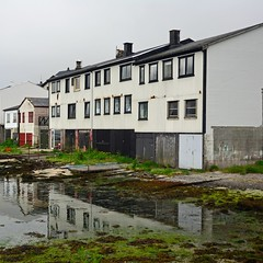 Klaksvik (mikael_on_flickr) Tags: klaksvik føroyar færøerne faroeislands isolefaroe houses reflection riflesso raining pioggia