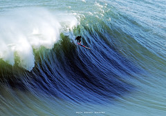 8697FSV (Rafael González de Riancho (Lunada) / Rafa Rianch) Tags: faro farolosurf waves surfing olas sport deportes sea mer mar nazaré vagues ondas portugal playa beach 海の沿岸をサーフィンスポーツ 自然 海 ポルトガル heʻe nalu palena moana haʻuki kai olahraga laut pantai costa coast storm temporal