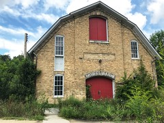 Masonry barn erected in 1890, is believed to be the oldest building of its type in Kane County. (neilsharris) Tags: