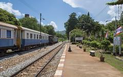 Bahnsteig Wang Pho (ulrike.heck) Tags: ulrikeheck thailand asien bahnsteig zug train wang pho himmel sky gleis station