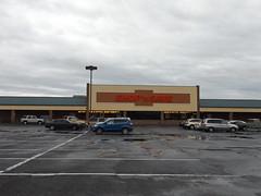 Shop N Save Stephens City, VA Closed (COOLCAT433) Tags: former shop n save 380 fairfax pike stephens city va food lion