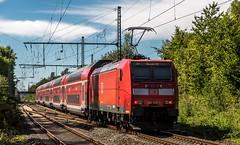 02_2018_08_06_Gelsenkirchen_Rotthausen_6146_120_DB_schiebt_RE2_➡️_Düsseldorf (ruhrpott.sprinter) Tags: ruhrpott sprinter deutschland germany allmangne nrw ruhrgebiet gelsenkirchen lokomotive locomotives eisenbahn railroad rail zug train reisezug passenger güter cargo freight fret gelsenkirchenrotthausen rotthausen essen köln mönchengladbach 0422 1428 6146 6182 es 64 f4 u2 es64f4 es64u2 mrcedispolokdispo mrce dispo flx 1803 flixtrain flixbus hkx heros s2 rb42 re2 bahntouristikexpress schienenwalzzeichen rolling marks outdoor logo natur