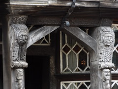Wood Carvings, Feathers Hotel, Ludlow, Shropshire, 15 August 2018 (AndrewDixon2812) Tags: wood carvings faces heads doorway entrance feathers hotel pub inn ludlow shropshire halftimbered
