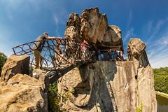Externsteine im Sommer (O.I.S.) Tags: externsteine detmold lippe owl germany deutschland sights felsen rocks sommer summer brücke bridge klettern climb
