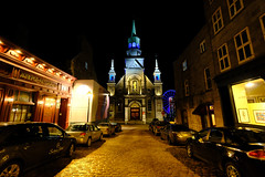 Notre Dame de Bon Secours Chapel in Montreal (` Toshio ') Tags: toshio montreal canada canadian oldmontreal notredamedebonsecourschapel chapel church night cathedral street city restaurant cars road fujixt2 xt2 gallery store ferriswheel