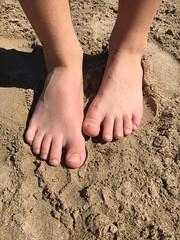 (MarisaTárraga) Tags: españa spain cullera valencia playa beach arena pies sand feet iphone6s verano summer