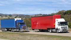 Euro vs US ~ Jerrawa (1/4) (Jungle Jack Movements (ferroequinologist)) Tags: jerrawa yass nsw new south wales mack daf george hilder rowville kenworth vic victoria volvo euro us usa europe toll scania paul lawton gunning freight hp horsepower big rig haul haulage cabover trucker drive transport carry delivery bulk lorry hgv wagon road highway nose semi trailer deliver cargo vehicle load freighter ship move motor engine power teamster truck tractor prime mover diesel driver cab cabin loud rumble beast wheel double b grunt australia