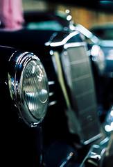 Mercedes-Benz W120 (My Flickr photo #2500) (mkk707) Tags: film analog wwwmeinfilmlabde 35mmfilm kodakportra800 leicar7 leicasummiluxr50mm2ndmodel11776 vintagefilmcamera vintagelens vintagecar oldtimer classiccar bokeh