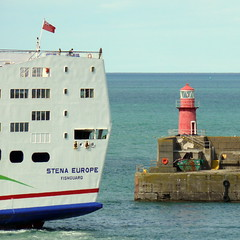 18 08 10 Stena Europe arriving Rosslare (28) (pghcork) Tags: stenaline ferry ferries carferry stenaeurope ireland wexford rosslare ships shipping