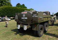 GMC CCKW 353 D1 gasoline tanker (pontfire) Tags: gmc cckw 353 d1 gasoline tanker war guerre us france usarmy army wwii secondeguerremondiale worldwartwo usa america classic old antique collection ancienne vieille camion truck meudon latraverséedeparis latraverséedeparisestivale2018 latraverséedeparisestivale observatoiredemeudon militaryvehicule united states cckw353 tank 750 gallons 2½ton 6x6 jimmy citerne à carburant de cargo american américain red ball express highway