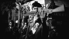 Corpus. (Marián Company (The Fresh Feeling Project*)) Tags: retrato corpus street soldado tradición arma blancoynegro bn blackandwhite bw noiretblanc streetphoto streetphotography streetphotographer legionario procesión valencia