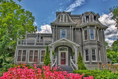 Paris Ontario - Canada - 214 Grand River North - Second  Empire - Victorian Architecture