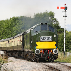 D6948 Class 37 (1964) (Roger Wasley) Tags: d6948 class37 dixton gwsr diesel gala trains railways gloucestershire warwickshire steam railway locomotive heritage