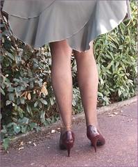 2018 - 07 - 30 - Karoll  - 023 (Karoll le bihan) Tags: escarpins shoes stilettos heels chaussures pumps schuhe stöckelschuh pantyhose highheel collants bas strumpfhosen talonshauts highheels stockings tights
