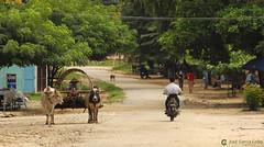 11-10-04 02 Myanmar (48) R01 (Nikobo3) Tags: asia myanmar burma birmania mandalay culturas social tuktuks rickshaw travel viajes nikon nikond200 d200 nikon7020028vrii nikobo joségarcíacobo