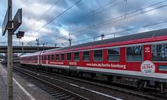 016_2018_03_20_Hamburg_Harburg_ES_64_U2_-_013_6182_513_DISPO_mit_berlin_hamburg_Express_Berlin (ruhrpott.sprinter) Tags: ruhrpott sprinter deutschland germany allmangne nrw ruhrgebiet gelsenkirchen lokomotive locomotives eisenbahn railroad rail zug train reisezug passenger güter cargo freight fret hamburg harburg akiem boxx ctd db dispo dbcsc dsc egp eloc locon lte me meg mt mteg nrail press rhc rsc slg 0185 0650 0812 1212 1214 1246 1261 1273 3296 3333 4482 5812 6101 6140 6143 6145 6182 6187 6193 6241 7386 logo natur graffiti