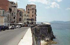 Κέρκυρα, βόρειο μέτωπο της παλιάς πόλης. (Greece, Corfu). (Giannis Giannakitsas) Tags: greece grece griechenland κερκυρα corfu giannakitsas canon eos 650 slr 35 mm film camera