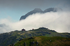 Fredvangshytta (DoctorMP) Tags: lofoten nordland norway moskenesoya summer hiking outdoors fredvangshytta mountains clouds moltinden