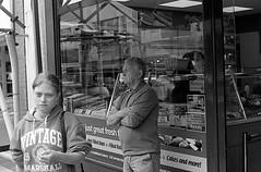 Abertawe 16/08/2018 (The Unfortunate Whale) Tags: film filmphotography ilford hp5 harmantechnology street streetphotography southwales abertawe swansea bw blackandwhite blackandwhitefilm negativefilm olympus om om1n olympuszuiko olympusom zuiko zuiko50mm zuiko50mmf14 zuiko50mmf14mc