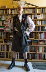 Kilt for Asylum (Lincoln)  (yes it's me :-) ) (misterblue66) Tags: kilt steampunk tartan a6000 sony lincoln asylum hips hanche livre bibliothèque library