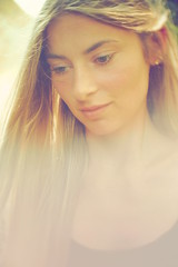 sunday morning light again (konicus) Tags: cctv 25mm f14 sunshine porträt portrait sunny sunday sonntag morgen sonnenschein konicus hair haar long lange haare face gesicht golden dof depthoffield