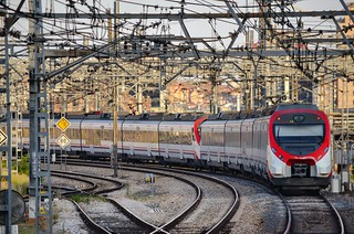 Un train Cercanias quitte la gare d'Atocha pour Guadalajara