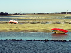 Boats (Oriane Laperse) Tags: boats eau water red rouge paysage landscape sable sand