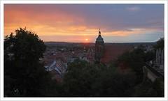 Sommerabend (https://www.norbert-kaiser-foto.de/) Tags: pirna sachsen saxony abend abendlicht abendhimmel kirche kirchturm stadtkirchestmarien marienkirche sonnenuntergang sunset himmel wolken aussicht schlossberghang
