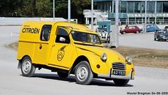 Citroën 2CV AZU 250 1973 (XBXG) Tags: 62yb29 citroën 2cv azu 250 1973 jaune yellow besteleend bestel van utilitaire bestelwagen wagen fourgonnette det 2018 citroën2cv 2pk eend geit deuche deudeuche 2cv6 dinslaken deutschland duitsland germany vintage old classic french car auto automobile voiture ancienne française outdoor azu250