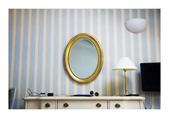 _JP25154 (Jordane Prestrot) Tags: ♌ jordaneprestrot lagodicomo menaggio hôtel hotel bedroom habitación chambre miroir mirror espejo
