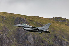 July 2018 Mach Loop-13.jpg (markw66) Tags: 2018 summer snowdonia machloop sigmalens nationalpark military july 5dmkiii flying aircraft northwales lowlevel
