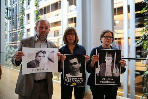 Freedom for Oleg Sentsov!!