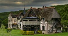 Sainte-Opportune-la-Mare (JLM62380) Tags: sainteopportunelamare normandy normandie observatoire france forêt forest cottage architecture chaume chaumiére