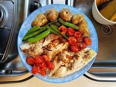 2018 0605 600 (SGS8+) Evening meal; Teesdale Barnard Castle Caravan and Motorhome Club Site (Lucy Melford) Tags: samsunggalaxys8 fish meal tomatoes