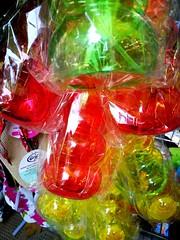 Quando non ho più blu, metto del rosso.  (Pablo Picasso) (VauGio) Tags: toys toy gioco giochi negozio shop colore colori colour colours huawei leica p10 picasso