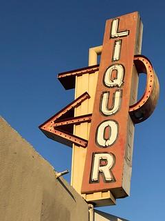 Los Compadres Market & Liquor