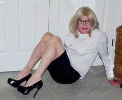 Sexy Donna! (donnacd) Tags: sissy tgirl tgurl dressing crossdress crossdresser cd travesti transgenre xdresser crossdressing feminization tranny tv ts feminized domina touchy feely he she look 易装癖 シー