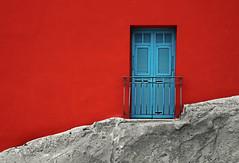red (Rino Alessandrini) Tags: rosso finestra indaco facciata muro roccia balcone chiuso pietra abitazione rurale red window indigo facade wall rock balcony closed stone dwelling rural