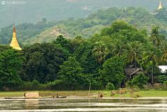 11-10-04 02 Myanmar (144) O01 (Nikobo3) Tags: asia myanmar burma birmania mandalay culturas templos paisajeurbano paisajes naturaleza travel viajes nikon nikond200 d200 nikon7020028vrii nikobo joségarcíacobo
