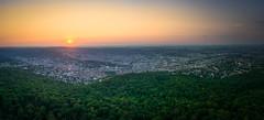 Sonnenuntergang über Stuttgart (Eleleleven) Tags: badenwürttemberg deutschland europa fernsehturm panorama sonnenuntergang stuttgart wetter europe germany weather