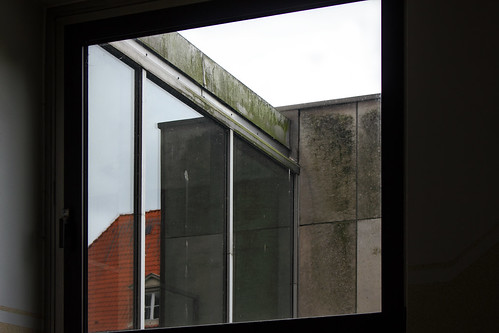 "Schlossfenster • <a style=""font-size:0.8em;"" href=""http://www.flickr.com/photos/69570948@N04/43866074191/"" target=""_blank"">Auf Flickr ansehen</a>"