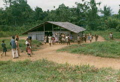 Muyu-Mandobo-005a (Stichting Papua Erfgoed) Tags: stichtingpapuaerfgoed pace pietvanmensvoort msc papua nieuwguinea nederlandsnieuwguinea irianjaya papuaheritagefoundation voormalignederlandsnieuwguinea