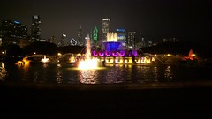 Buckingham Fountain Night Skyline UHD high (Michael.Lee.Pics.NYC) Tags: chicago video buckinghamfountain grantpark night skyline architecture cityscape fountain reflection sony a7rm2 zeissloxia21mmf28