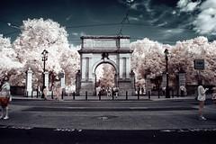 Fusiliers' Arch (Infrakrasnyy) Tags: infrared ir hoya r72 720nm ireland erie irish sony nex 5n full spectrum dublin st saint stephens green park fusiliers arch