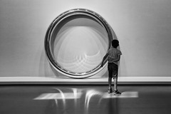 The Halo (erichudson78) Tags: france iledefrance paris16ème fondationlouisvuitton musée museum jamesleebyars thehalo circle cercle canonef24105mmf4lisusm canoneos6d minimalist noiretblanc blackandwhite