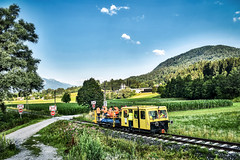 LAC_0140 (Hans-Peter Kurz) Tags: railway railroad reisen railscape eisenbahn zug train transport austria österreich outdoor gailtal gailtalbahn betriebs gmbh gesellschaft privatbahn postkastel x626 motordraisine motorbahnwagen arbeitswagen behörde land kärnten begehung begutachtung sonderfahrt mountains berge