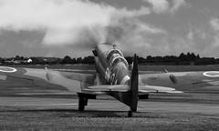 Supermarine, Spitfire, PT462, Duxford, EGSU, United Kingdom (Daryl Chapman Photography) Tags: plane planes planespotting planephotography canon 5d mkiii 70200l f28 old classic spitfire duxford imperialwarmuseum pt462 gctix n462jc 4xfom supermarine egsu