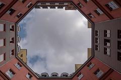 Berlin: Lichthof im Quartier Schützenstraße - Looking upwards in a courtyard of the Schützenstraße Quarter. (riesebusch) Tags: berlin mitte