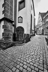 Meißen Gasse b&w (rainerneumann831) Tags: meisen gasse pflaster bw gebäude architektur blackwhite blackandwhite ©rainerneumann