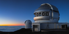 Gemini Observatory with Canada Hawaii France telescope at twilight (Ben_Coffman) Tags: 45tse bencoffman bencoffmanphotography bigisland canadahawaiifrancetelescope geminitelescope hawaii maunakea maunakeasummit telescope twilight